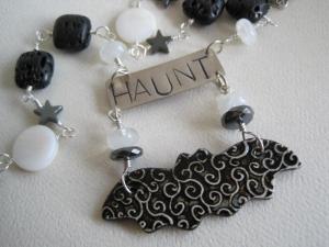 Haunt necklace